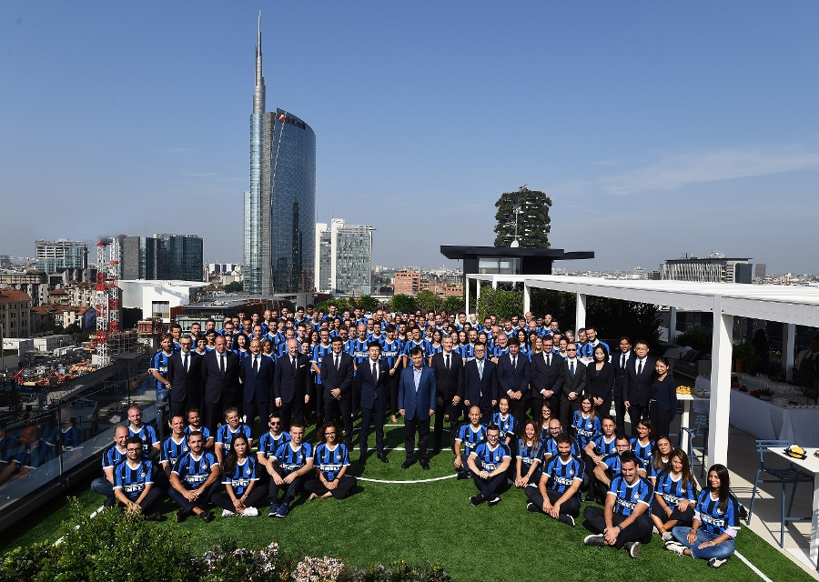 Jindong Zhang in visita all'Inter HQ