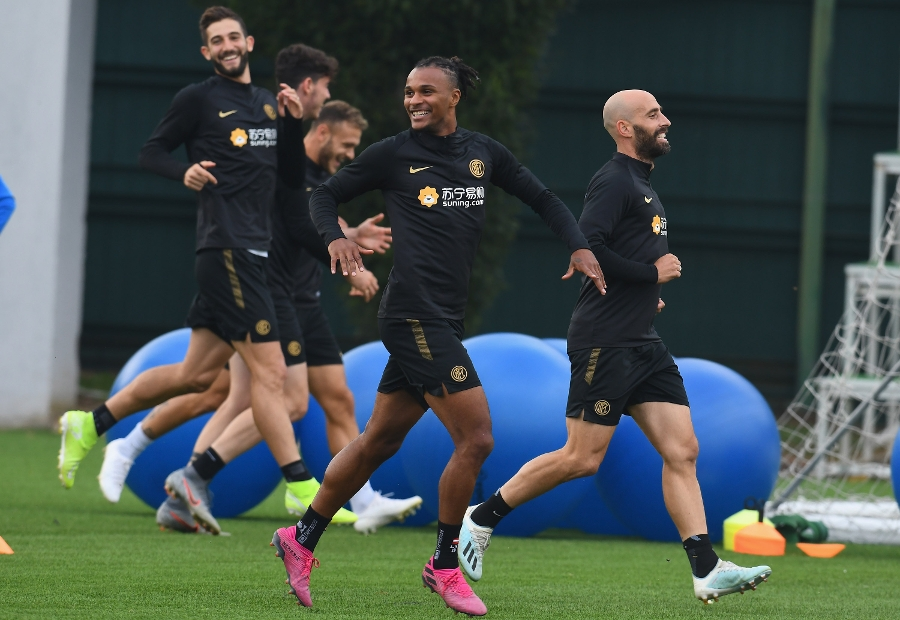 The team back to work in training after the win against Lazio