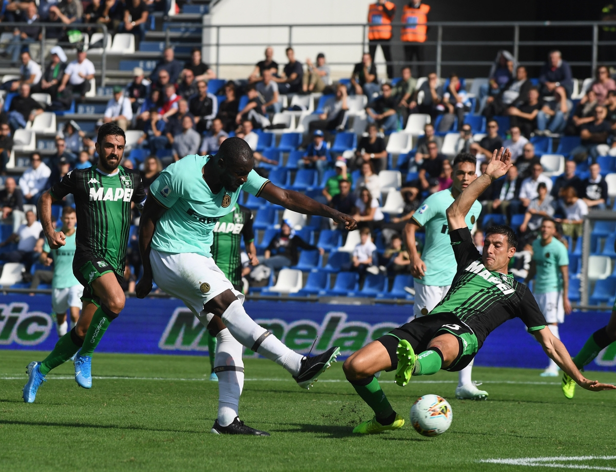 Lautaro and Lukaku with the braces as Inter win 4-3 at Sassuolo