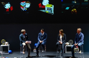 """""""Let's team up with books"""": a meeting with Javier Zanetti and Regina Baresi"""
