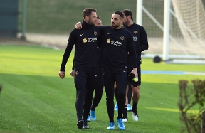 Dua sesi latihan di Suning Training Centre