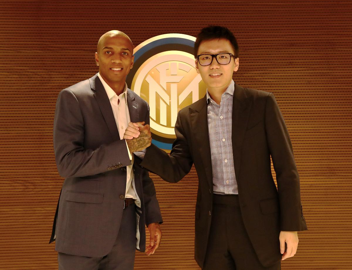 """Young: """"I'm delighted to become part of the Inter family"""""""