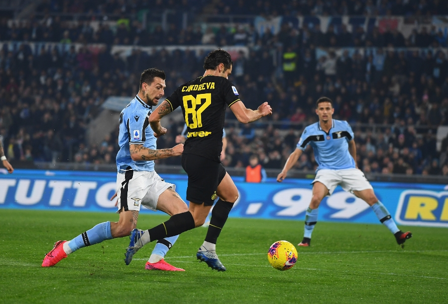 Lazio 2-1 Inter, the match gallery from the Olimpico