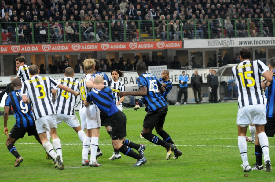 Inter 2-0 Juventus: Maicon's wondergoal in 2010