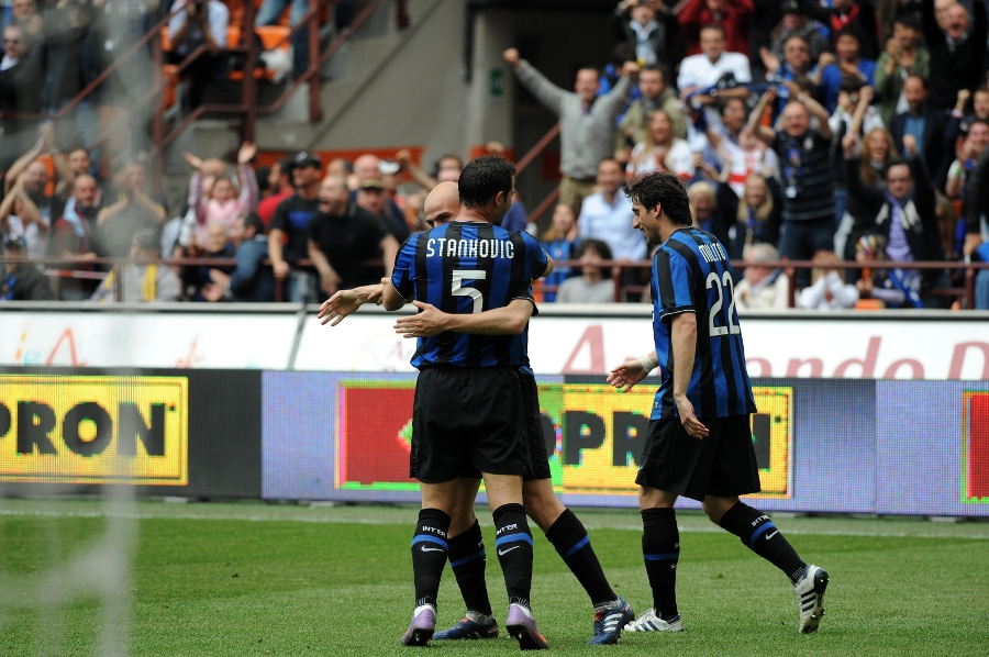 10 years ago | Inter 4-3 Chievo, the penultimate step towards the Scudetto
