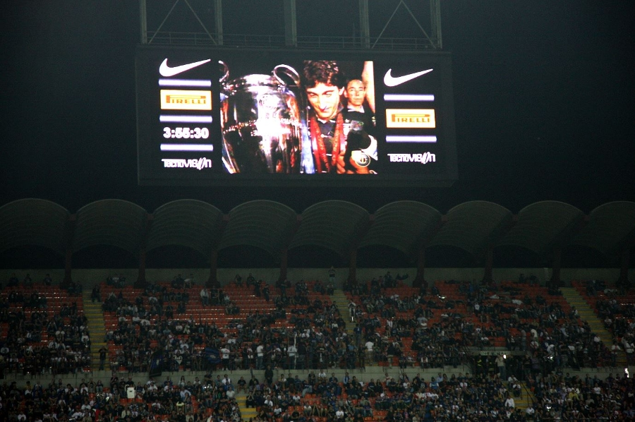 Madrid to Milan: our return with the trophy and the party at daybreak