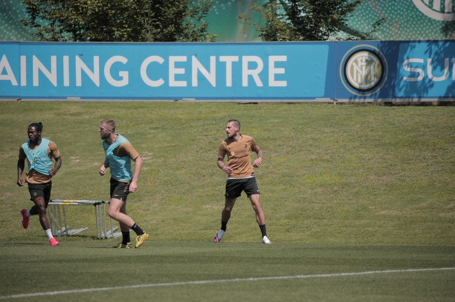 The Nerazzurri hard at work: training in two groups in Appiano