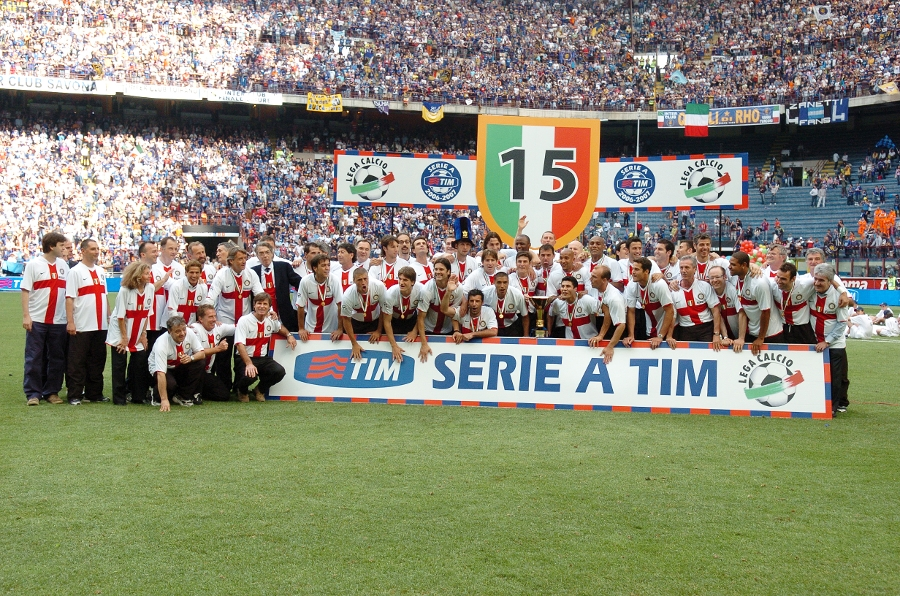Inter, celebrating the 2007 Scudetto: 97 points and chants for Figo