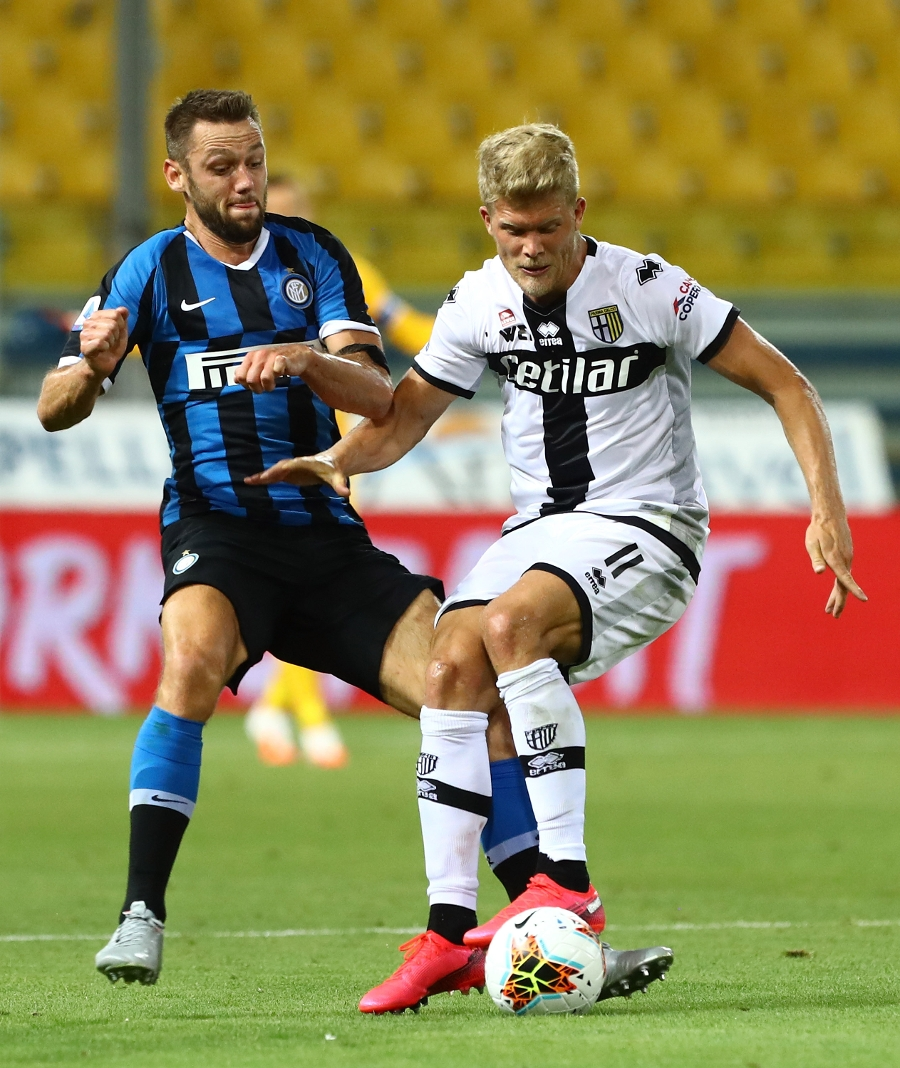 Inter, a comeback of headers: the photos from tonight's win at the Tardini