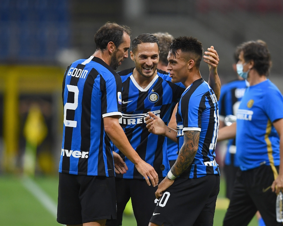 Inter 3-1 Torino, comeback with goals from Young, Godin and Lautaro
