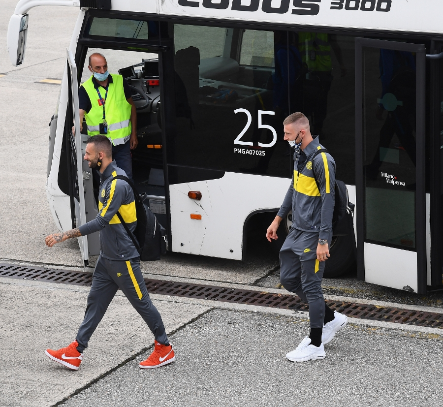 Mission: Europa League, the team are on their way to Germany