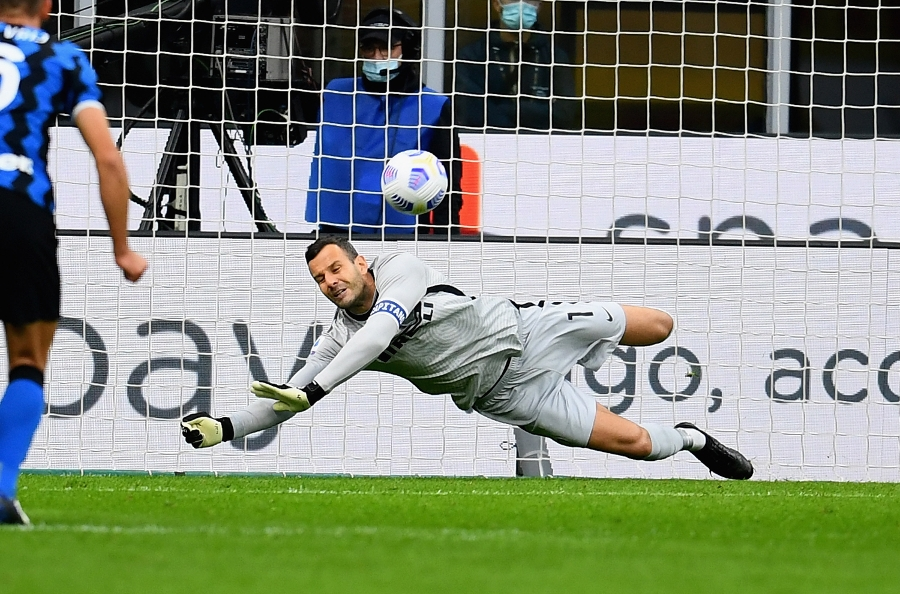 "Handanovic, a record broken on a bitter evening: ""We needed to be more clinical"""