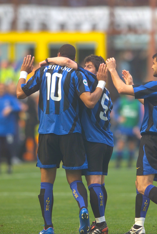 SNAPSHOTS| Lay-off and shoot, Adriano scores against Parma