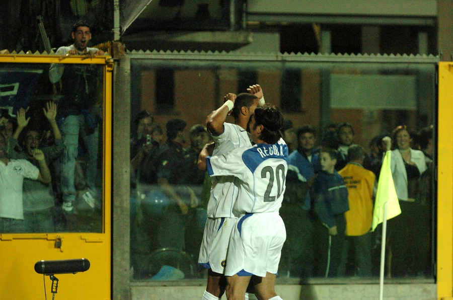 SNAPSHOTS   Recoba's roulette and Adriano's rocket