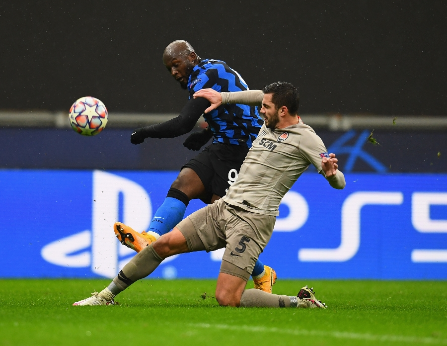 Inter fire blanks and are knocked out of Europe