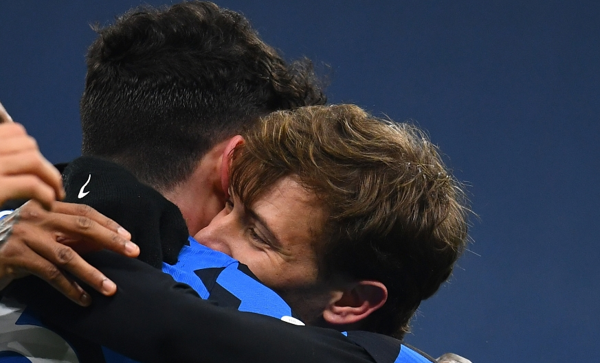 Italy in paradise: Bastoni and Barella are crowned European champions!