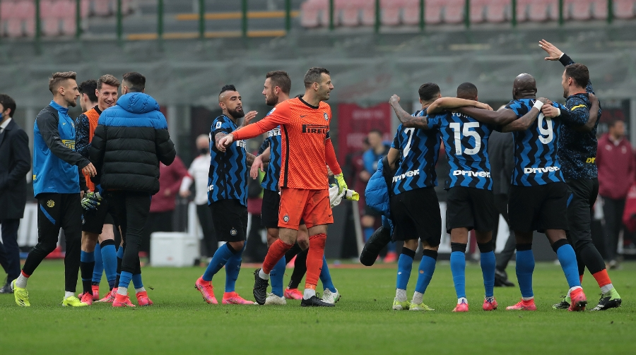 Photos of Inter's celebrations after Sunday's Derby triumph