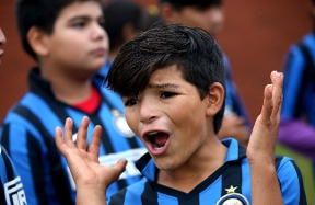 Champions of Italy, see the joy of children all around the world