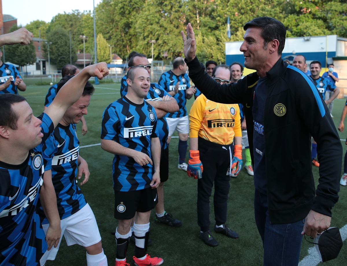 Squadra Speciale training: on the pitch with Javier Zanetti