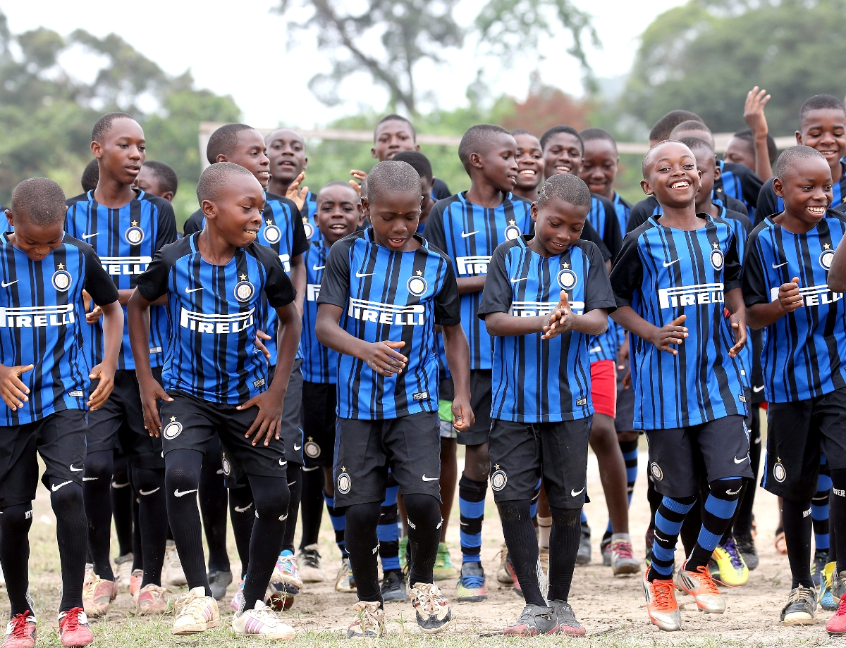 Inter Campus and UEFA Foundation come together for youngsters in Cameroon