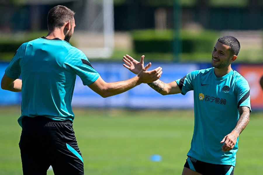 Brozovic and De Vrij link up with Inter in Appiano Gentile