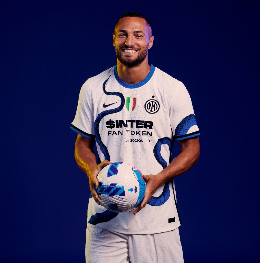 The new skin of an icon: our 2021/22 away kit