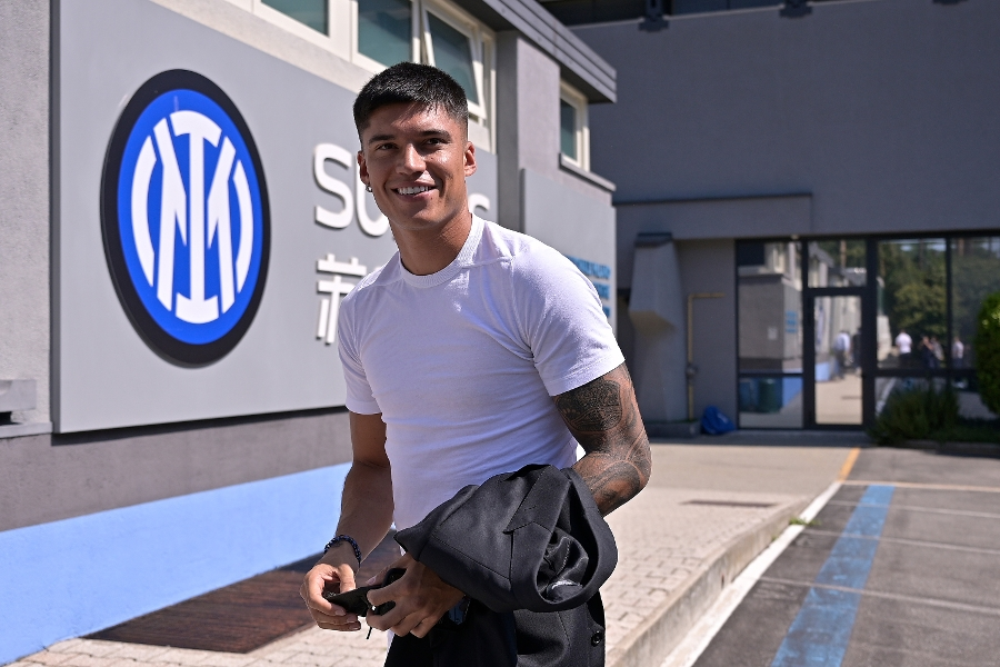 PHOTOS   Correa's first day at Inter