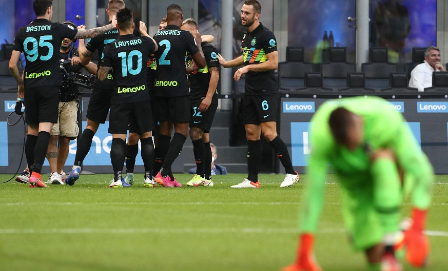 Inter score six in thumping of Bologna