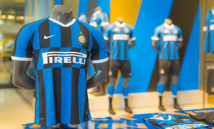 Meet your heroes: a photo and autograph session to take place at the Inter Store
